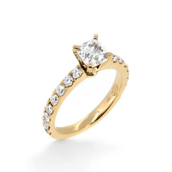 yellow gold diamond engagement ring- haywards of hong kong