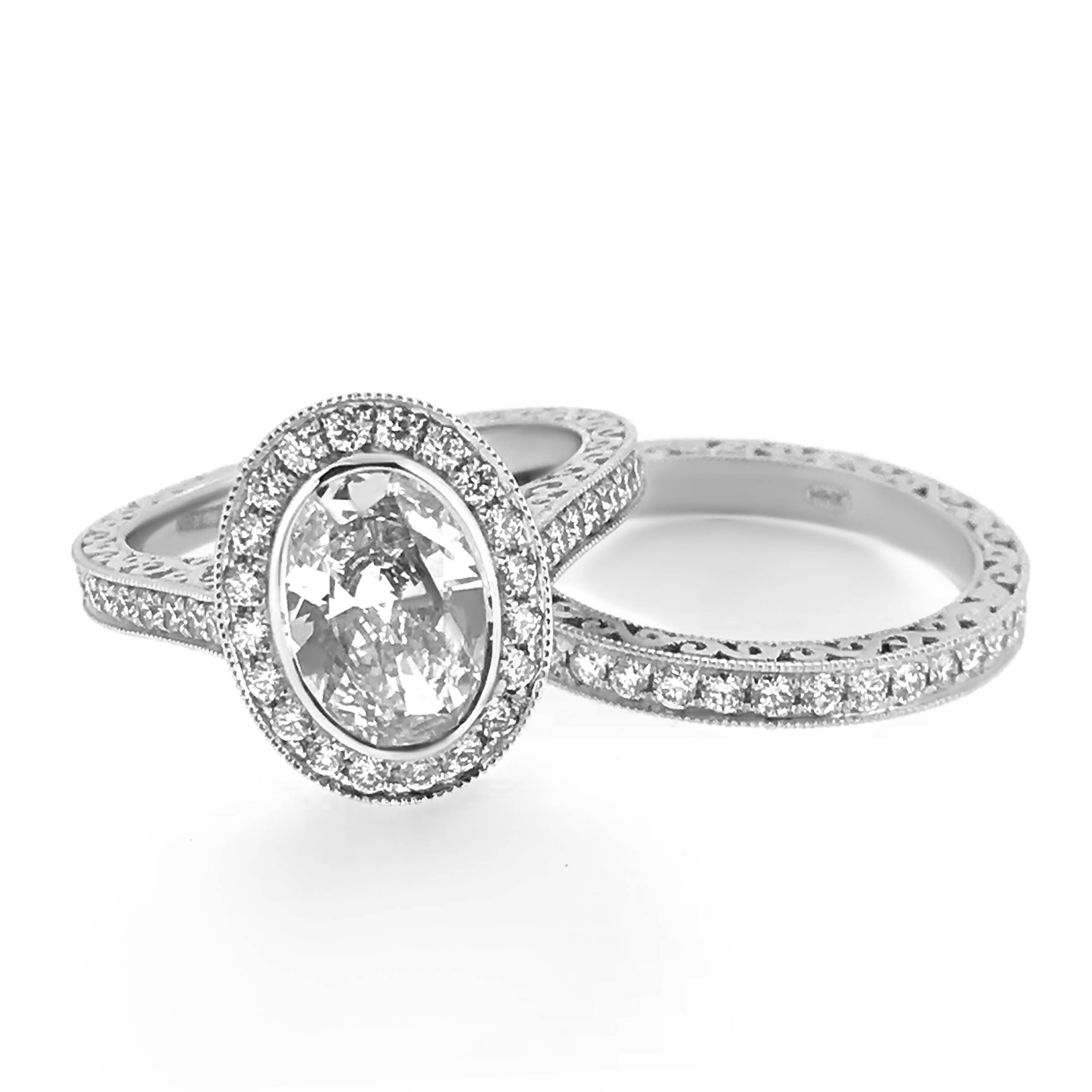 oval diamond engagement ring and wedding band set- haywards of hong kong