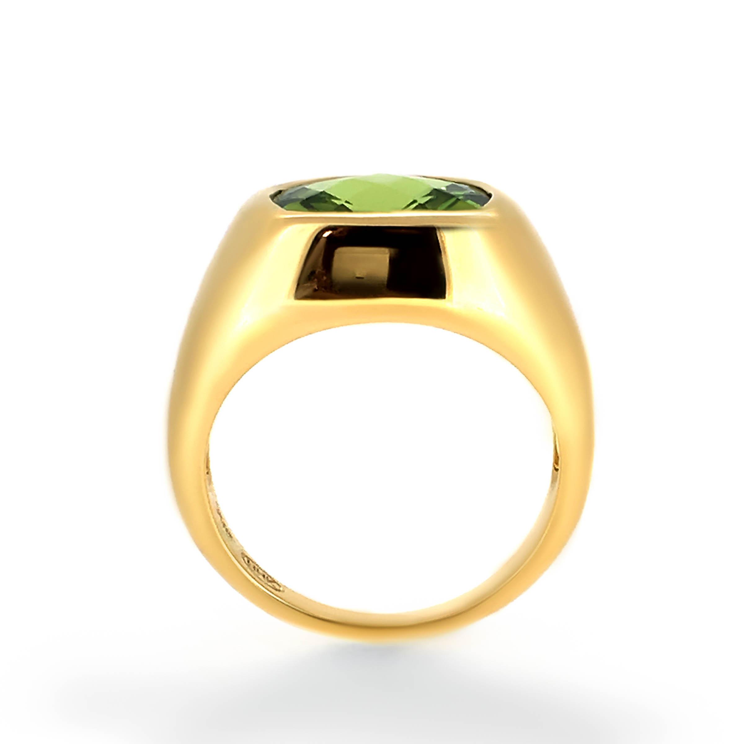 peridot dress ring- haywards of hong kong