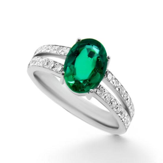 green emerald and diamond ring- haywards of hong kong